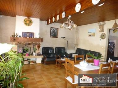 Vente Maison 6 pièces 130m² Sallebœuf (33370) - photo