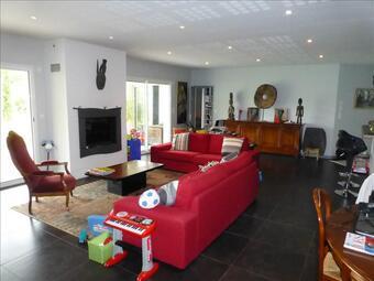 Sale House 5 rooms 159m² Latresne (33360) - photo