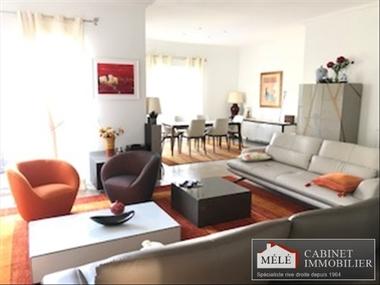 Sale House 9 rooms 400m² Latresne (33360) - photo