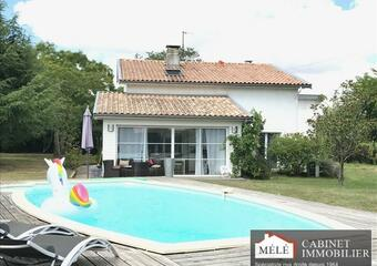 Sale House 7 rooms 164m² Latresne (33360) - photo