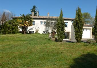 Sale House 6 rooms 206m² Cambes (33880) - photo