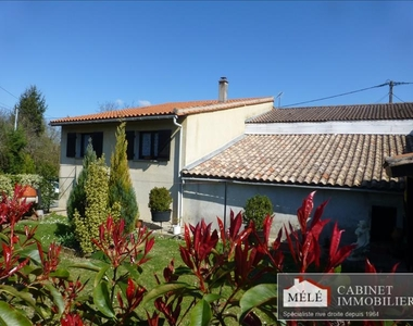 Sale House 6 rooms 130m² Salleboeuf - photo