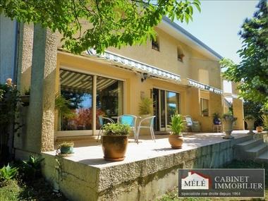 Sale House 6 rooms 182m² Artigues-près-Bordeaux (33370) - photo