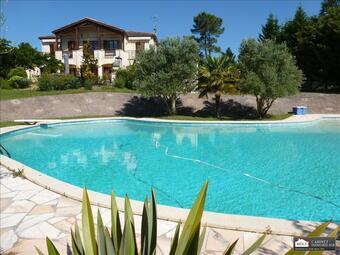 Sale House 13 rooms 400m² Créon (33670) - photo