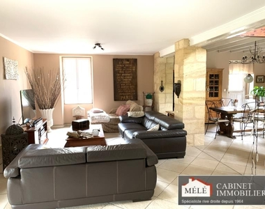 Sale House 9 rooms 367m² Latresne (33360) - photo