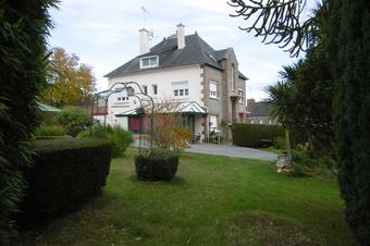 Vente Maison 8 pièces 223m² Plouguenast (22150) - Photo 1