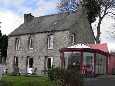 Vente Maison 8 pièces 136m² Le Mené (22330) - photo