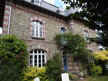 Vente Maison 9 pièces 244m² Ménéac (56490) - photo