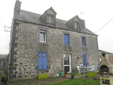 Vente Maison 10 pièces 162m² Le Mené (22330) - photo