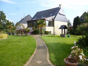 Vente Maison 6 pièces 167m² Pleugueneuc (35720) - Photo 1