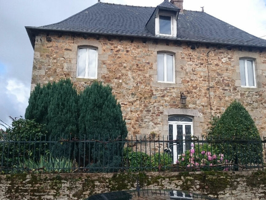 Vente maison 8 pi ces saint jouan de l 39 isle 22350 297224 for Garage galivel saint jouan de l isle