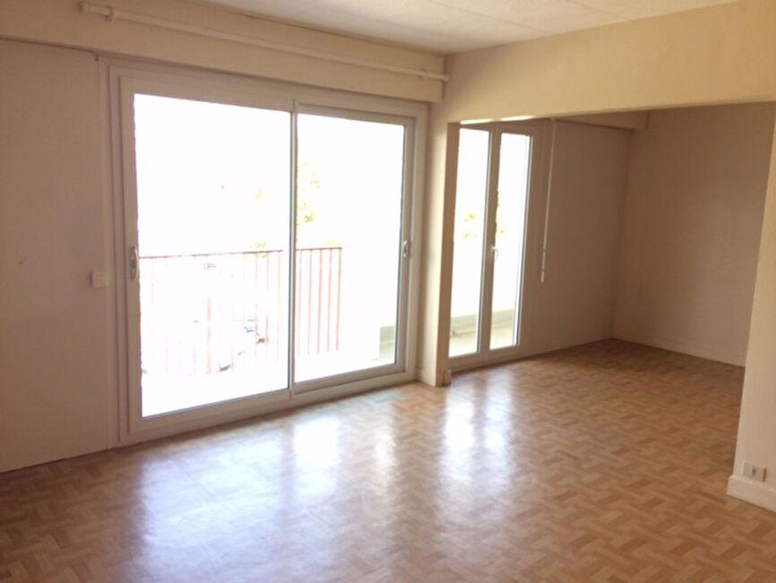 vente appartement 4 pi ces saint brieuc 22000 282519. Black Bedroom Furniture Sets. Home Design Ideas