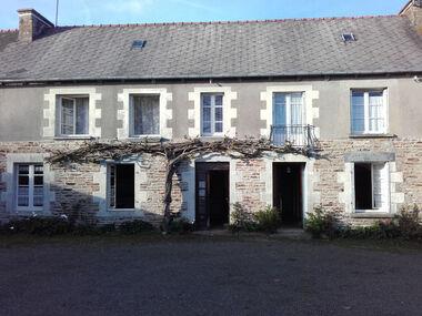 Vente Maison 10 pièces 219m² Éréac (22250) - photo
