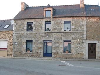 Location Maison 3 pièces 79m² Saint-Carné (22100) - photo