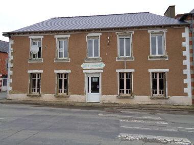 Vente Maison 9 pièces 302m² Muel (35290) - photo