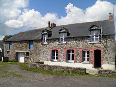 Vente Maison 7 pièces 143m² Mauron (56430) - photo