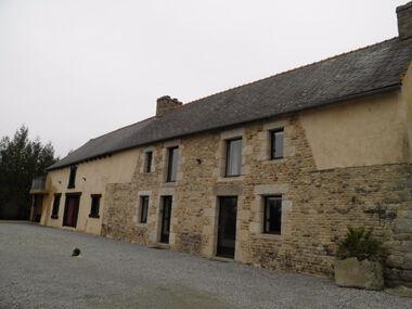 Vente Maison 7 pièces 203m² Ménéac (56490) - photo