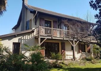 Vente Maison 4 pièces 131m² Pau - Photo 1