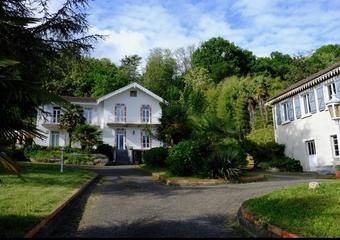 Vente Maison 12 pièces 292m² Pau - Photo 1