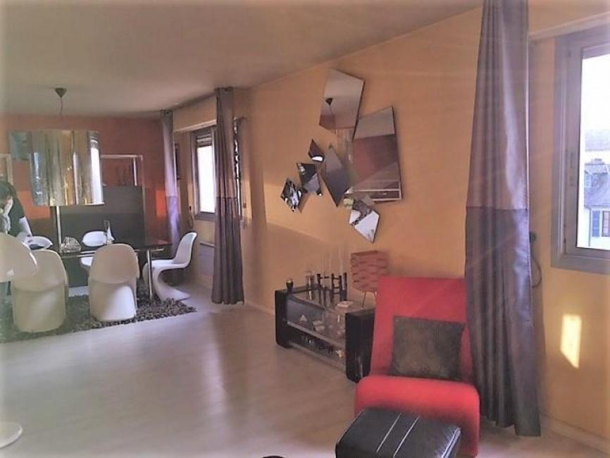 vente appartement 4 pi ces pau 64000 421475. Black Bedroom Furniture Sets. Home Design Ideas