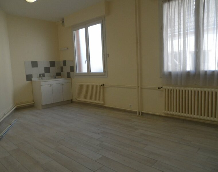 Location Appartement 3 pièces 72m² Gien (45500) - photo