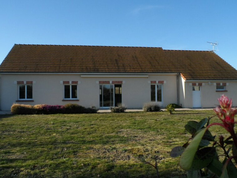 Location Maison 4 pièces 121m² Saint-Brisson-sur-Loire (45500) - photo