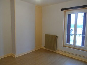 Location Maison 4 pièces 75m² Gien (45500) - photo 2