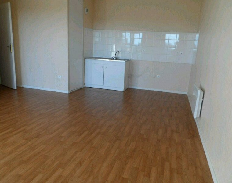 Location Appartement 3 pièces 52m² Gien (45500) - photo