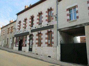 Vente Maison 11 pièces 265m² Ouzouer-sur-Trézée (45250) - Photo 1