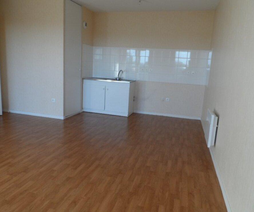 Location Appartement 3 pièces 53m² Gien (45500) - photo