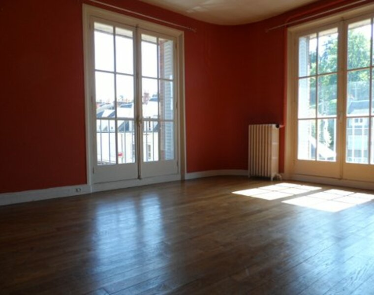 Location Appartement 4 pièces 85m² Gien (45500) - photo