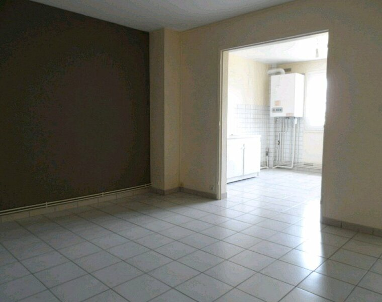 Location Appartement 3 pièces 65m² Gien (45500) - photo