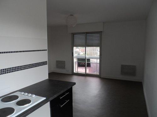 Location Appartement 1 pièce 45m² Gien (45500) - photo