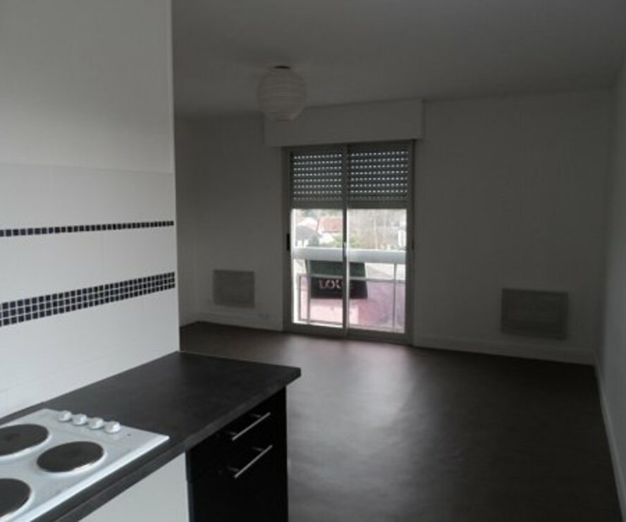 Location Appartement 1 pièce 45m² Gien (45500) - photo