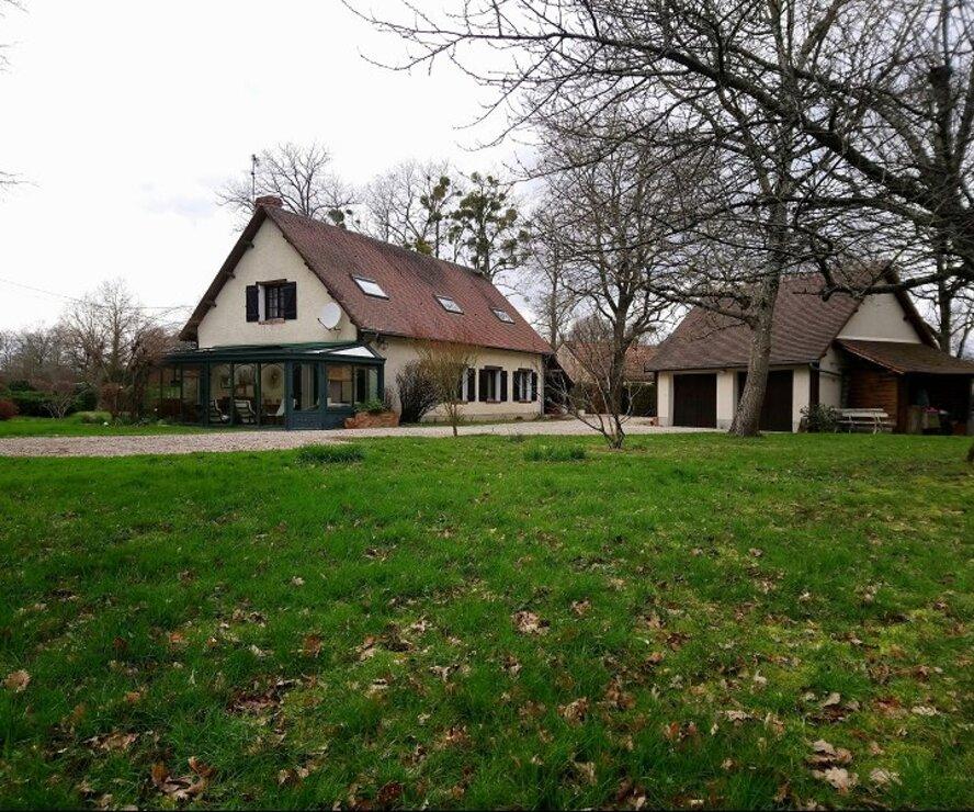 Vente Maison 8 pièces 215m² Saint-Gondon (45500) - photo