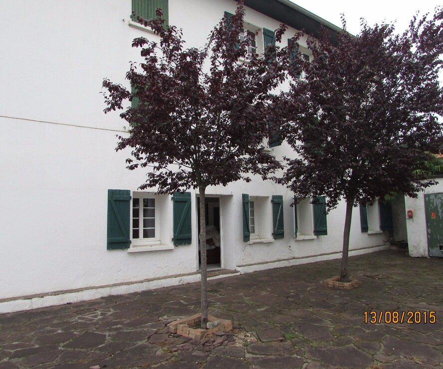 Location Appartement 1 pièce 15m² Saint-Pée-sur-Nivelle (64310) - photo