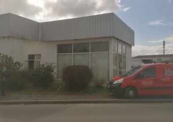 Location Divers 160m² Bayonne (64100) - Photo 1