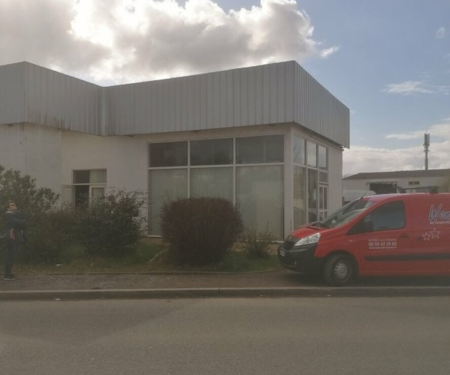 Location Divers 160m² Bayonne (64100) - photo