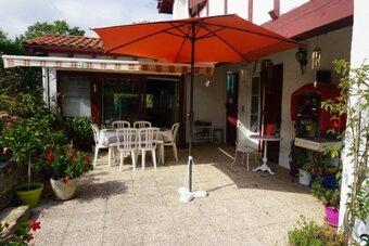 Vente Maison 7 pièces 200m² Saint-Pée-sur-Nivelle (64310) - photo 2