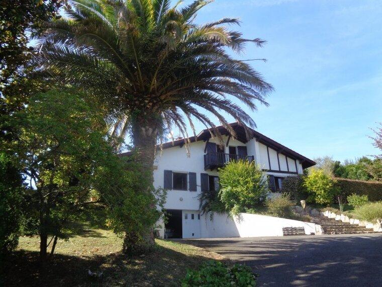 Vente Maison 6 pièces 147m² Saint-Pée-sur-Nivelle (64310) - photo