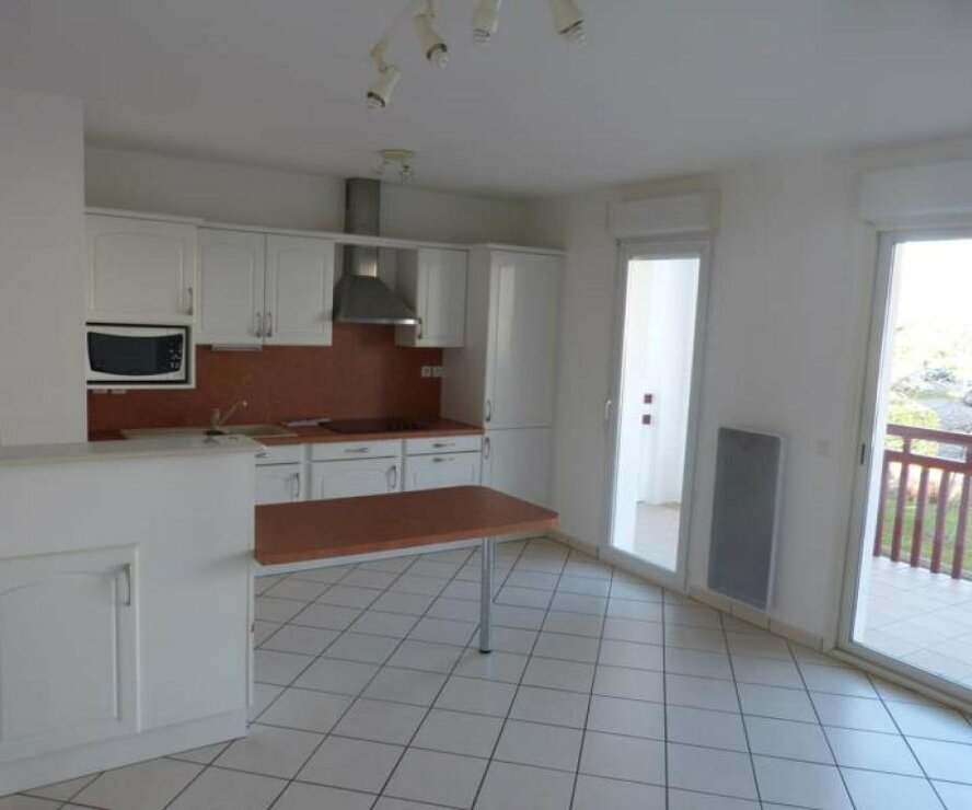 Location Appartement 2 pièces 48m² Saint-Pierre-d'Irube (64990) - photo