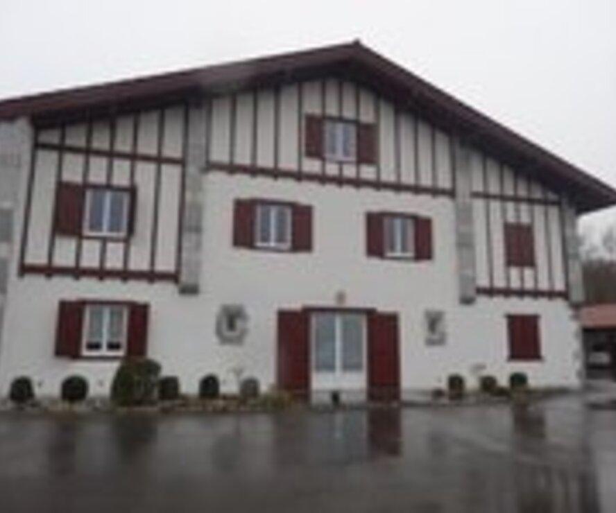 Location Appartement 2 pièces 56m² Bonloc (64240) - photo