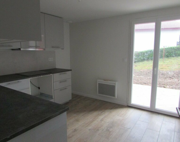Location Appartement 4 pièces 69m² Saint-Pée-sur-Nivelle (64310) - photo