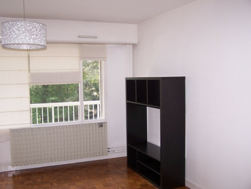 location appartement 2 pi ces saint tienne 42000 298747. Black Bedroom Furniture Sets. Home Design Ideas