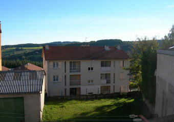 Location Appartement 3 pièces Saint-Just-Malmont (43240) - Photo 1