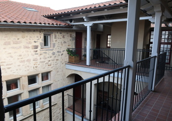 Location Appartement 2 pièces 50m² Saint-Bonnet-le-Château (42380) - Photo 1