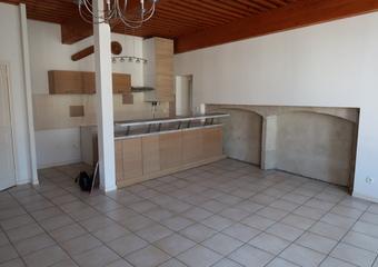 Location Appartement 4 pièces 90m² Saint-Bonnet-le-Château (42380) - Photo 1