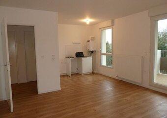 Location Appartement 3 pièces 62m² La Roche-sur-Yon (85000) - Photo 1