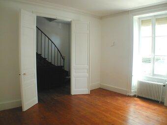 Location Maison 6 pièces 124m² La Roche-sur-Yon (85000) - Photo 1