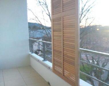 Location Appartement 4 pièces 88m² Saint-Paul-Trois-Châteaux (26130) - photo
